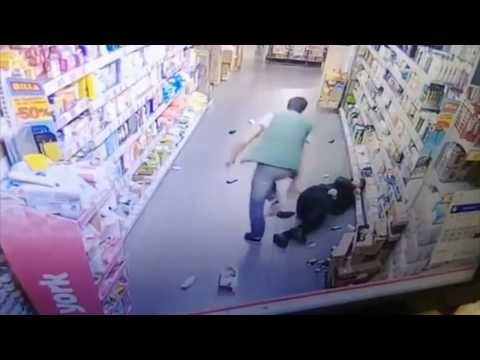 Fight! 🥊😅 Salesman & Security vs. Drunk customers (Russia)