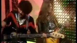 Greedies (Sex Pistols & Thin Lizzy) - A Merry Jingle TOTP2