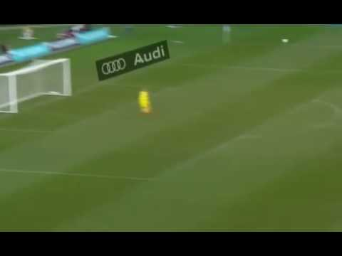 Fantastic halfway line goal for Juventus against Melbourne Victory #ICC