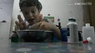 Ensinando como fazer slime com dois ingredientes