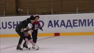 Занятия с детьми с особенностями развития с тренерами Юлией  и Алексеем в Академии Плющенко