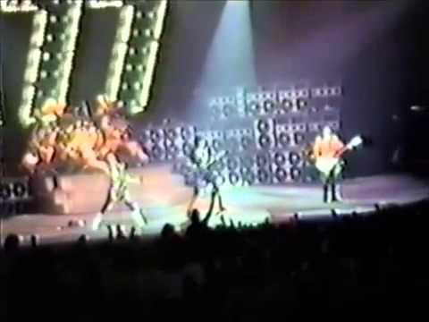 KISS - Live at Tarrant County Convention Center, Ft. Worth, TX, USA, February 28, 1986 (Asylum Tour)