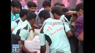 Kiccha sudeep birthday celebration with fans, looked like sudeep was more tensed from a fan