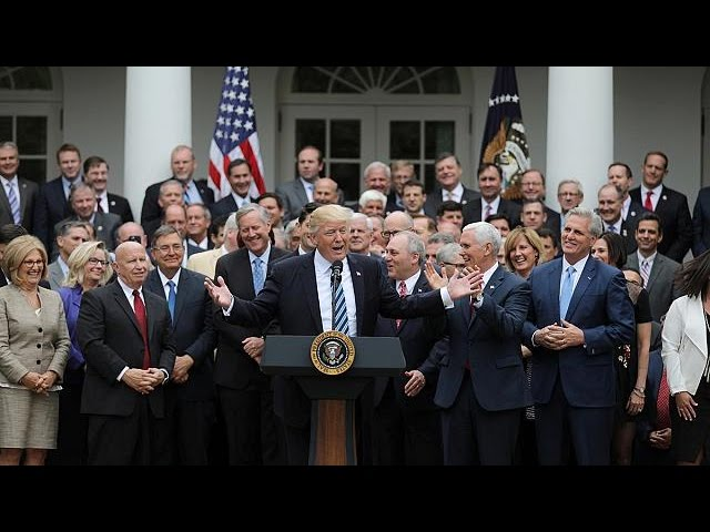 Трамп объявил, что с Obamacare «практически покончено»
