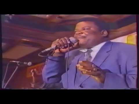 Madilu System - Eau bénite (live intercontinantale de Kinshasa 1993)