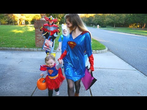 Trick or Treating on Halloween 2017 - Family Fun Vlog