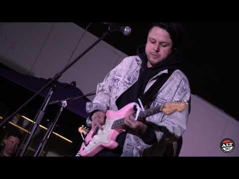 LovelyTheBand - 'Broken'| The Penthouse Southwest Sound Stage
