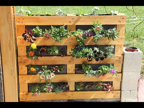 Mur v g tal palette sphaigne youtube for Decoration mur exterieur jardin