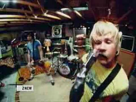 blink182 -Dysentery Gary (must watch)