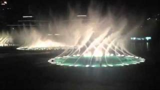 The Dubai Fountains w/ Arabic Song
