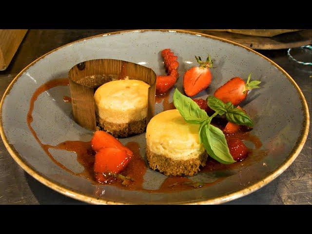 American Cheesecake im Holzblatt mit Badischem Erdbeeren-Salat #GRILLDOCHEINFACH