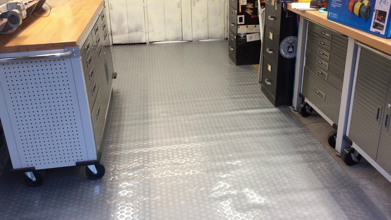 The New Commercial Grade Rubber Grey Coin Pattern Garage Flooring 7 5 Ft By 17