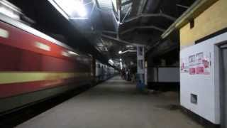 Offlink With Supercrawler!! Brand New ET WAP-4 led Janata Express Blasts Through Konnagar