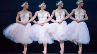 Danse des petits cygnes ,  Act 2 , Swan lake , Tchaikovsky