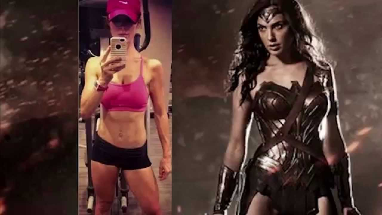 3d Kickboxing Wallpaper Gal Gadot Shows Off Her Wonder Woman Body Batman V