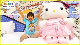 Room Tour Hello Kitty Theme Hotel Ryan's Family Vacation!!