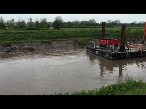 Pontoon dredging on the River Parrett