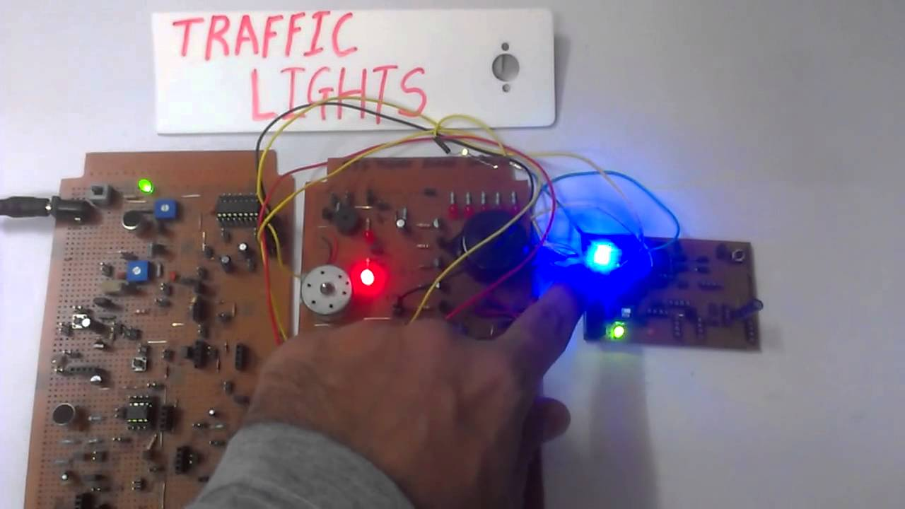 Traffic Lights Using 555 Timer Ic Youtube The Bistable Circuit Electronics In Meccano