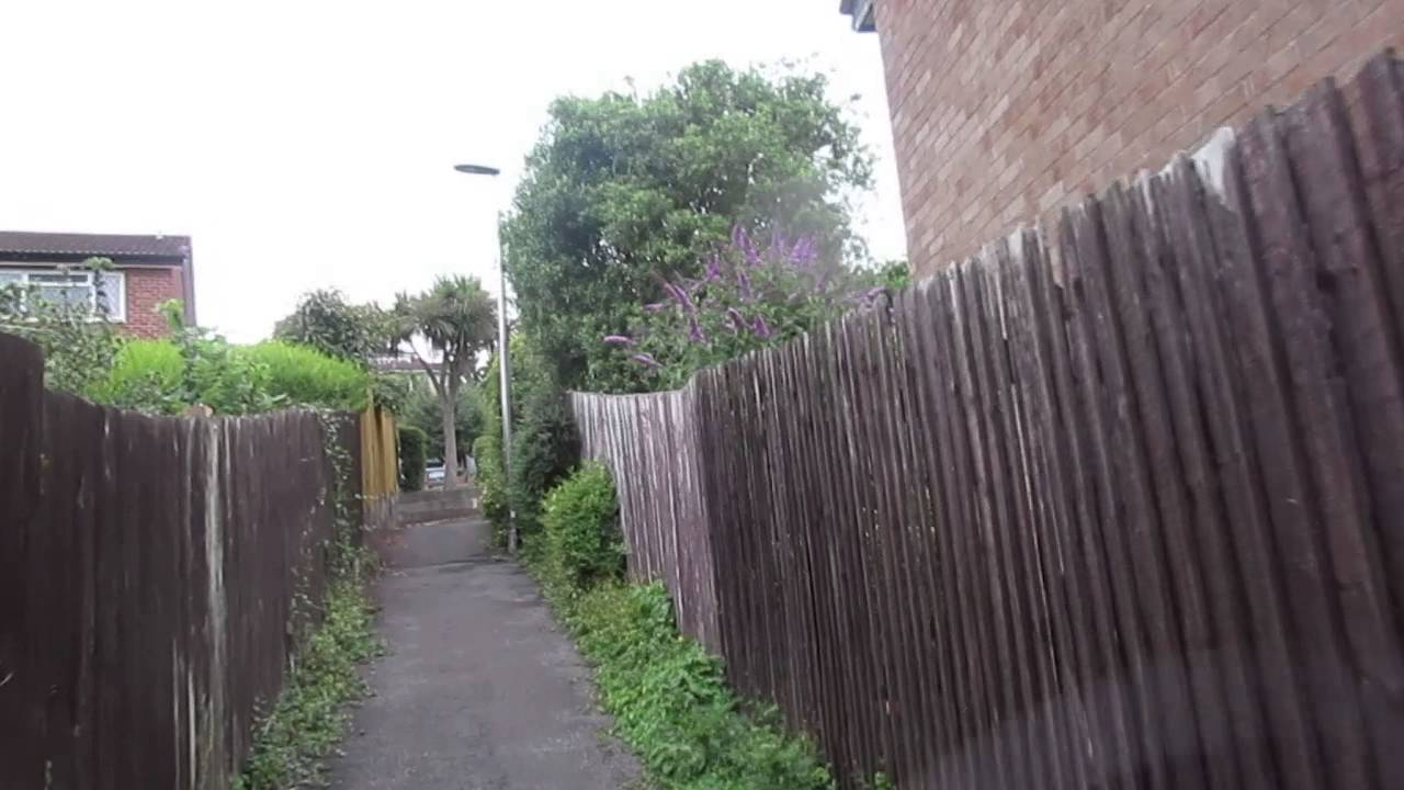 Yet a further connecting lane in Long Ashton - YouTube