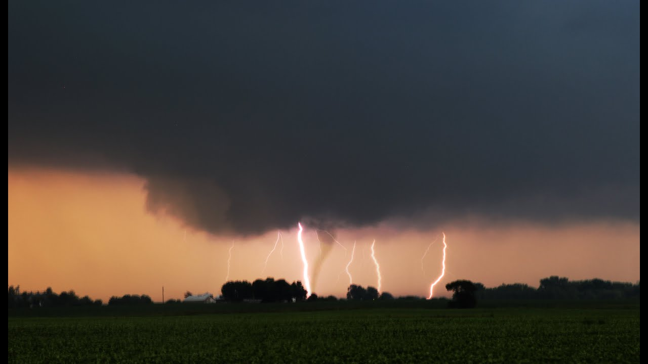 troy grove il tornado lightning barrage supercell timelapse 6 22