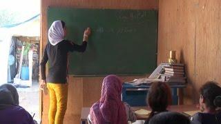 أخبار عربية | الطفلة المعلمة.. نعمة لاجئة تعلم أطفال المخيمات في لبنان
