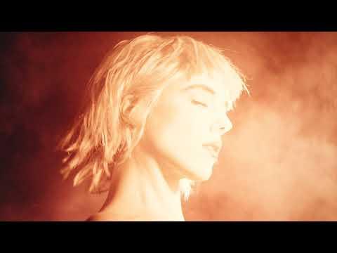 Sylvie Kreusch – Please To Devon
