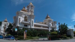 New Casino Opens Amid Macau Slump