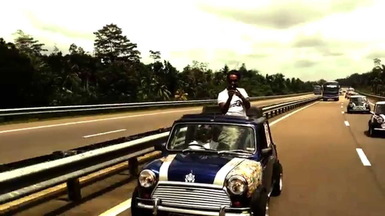 Minis Overtaken The Southern Expressway Sri Lanka Youtube
