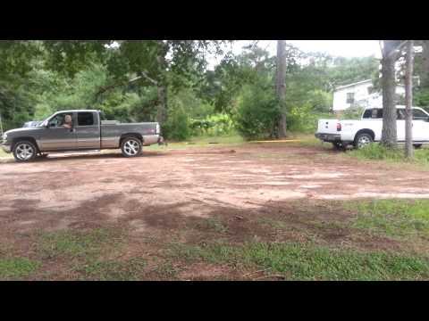 Ford Superduty 6.4 vs Chevy z71 5.3 gas tug a war