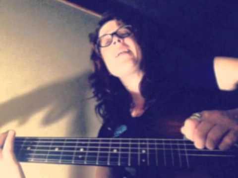 Miss Tess sings