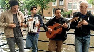"""Locomondo play Rebetiko song """"Haramata I Ora Treis"""" in Amsterdam 2016"""