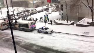 Monika Absolonová - Padá sníh