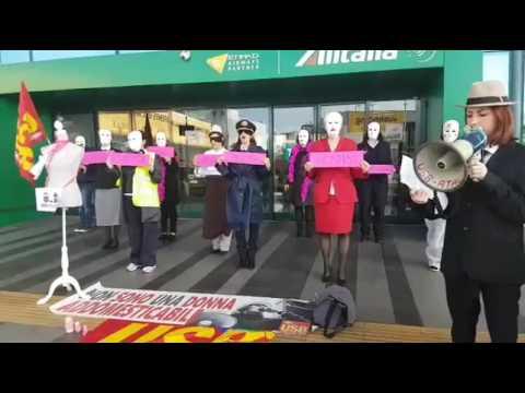 VERSO L'8 MARZO- Flash mob delle lavoratrici dell'aeroporto di Fiumicino -...