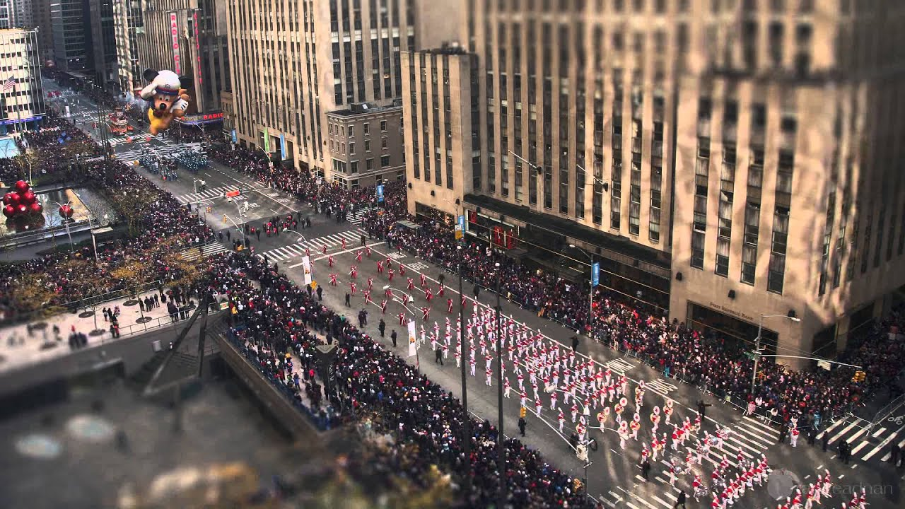 Download Time-lapse: Macy's Thanksgiving Day Parade 2012 (New York)