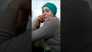 Уборщица увлечена просмотром жесткого видео