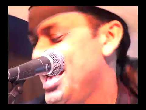 Assista: Trio Virgulino - Rancho de Palha - DVD 26 Anos