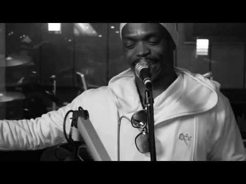 Somizi Mhlongo performance on CMSunplugged