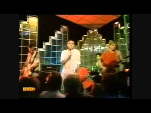 bow-wow-wow-go-wild-in-the-country-totp-liam-ska