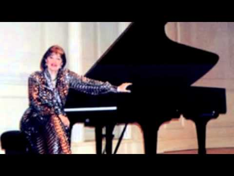 Pia Sebastiani - Chopin Waltz in C sharp minor