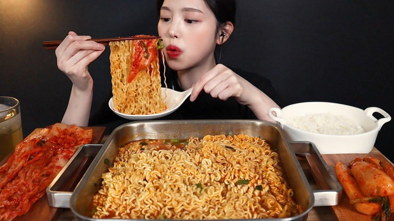 SUB)얼큰칼칼 열라면 3봉에 김장김치 총각김치 먹방🔥라밥까지 리얼사운드 Spicy Yeol ramyeon, kimchi and rice mukbang asmr