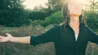 Watch Noah Gundersen The Current State Of Things video