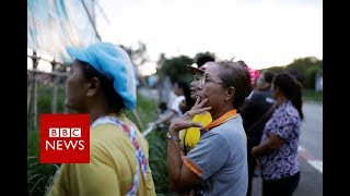 Thailand Cave rescue: All 13 out after 17-day ordeal in Thailand - BBC News