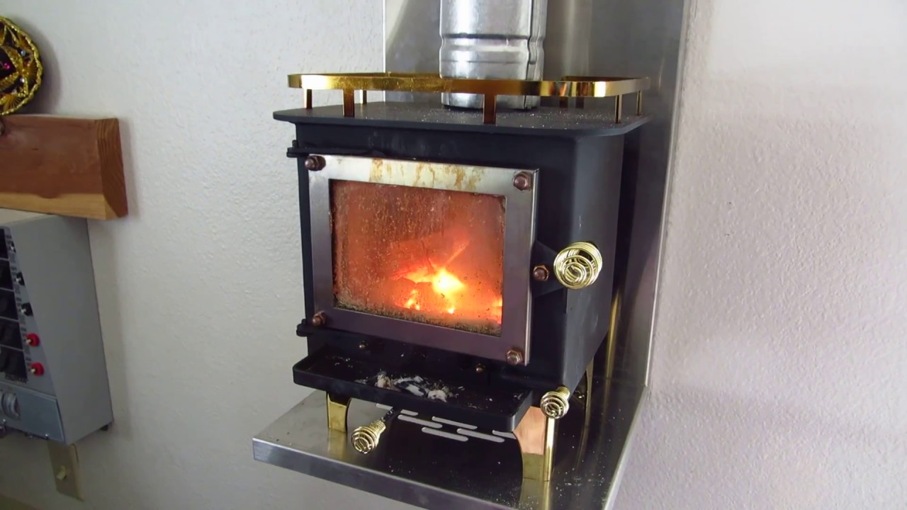 Cubic Cub Stove During Snowstorm Youtube