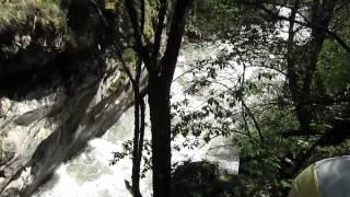 """Река Большая Лаба. Каньон """"Малый Блыб"""". Прохождение последней бочки"""