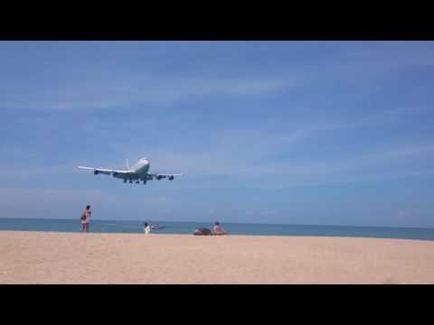 Phuket airport – Rossiya Boeing 747 arrival