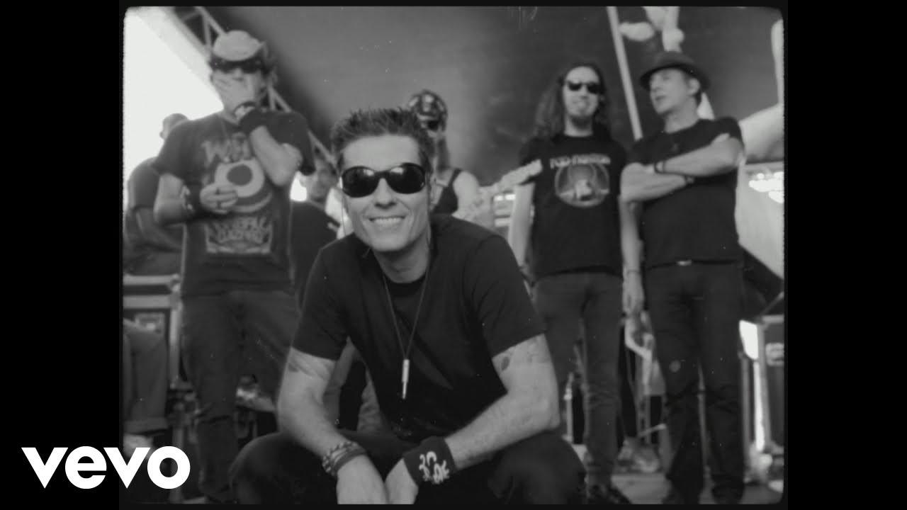Capital Inicial - Universo Paralelo ft. Lucas Silveira