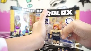 MORE ROBLOX HANG GLIDER TOY & SKATING RINK EXCLUSIVE CORE PACKS