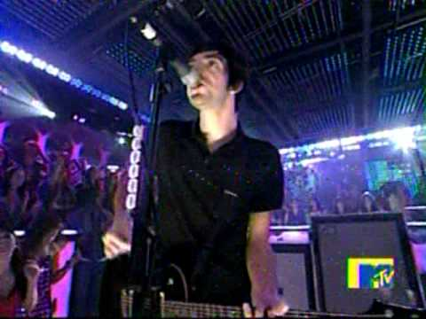 All Time Low plays on New Years at MTV