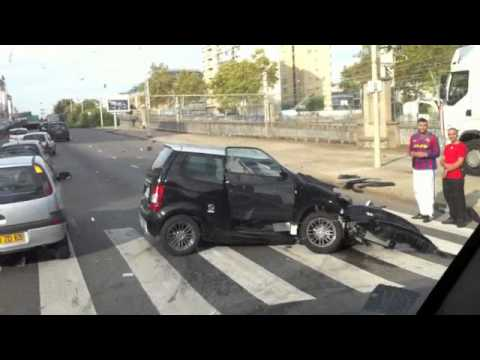 accident voiture sans permis youtube. Black Bedroom Furniture Sets. Home Design Ideas