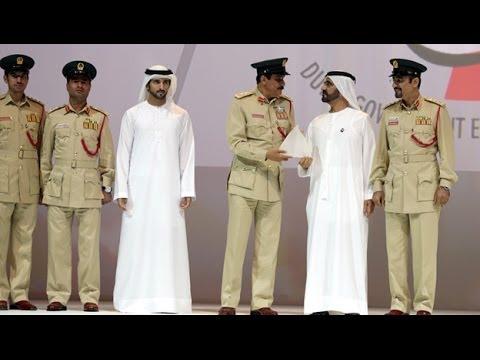 محمد بن راشد يكرم الفائزين بجوائز برنامج دبي للأداء الحكومي المتميز